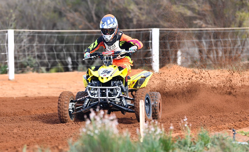 Sidecars & quads at Renmark track