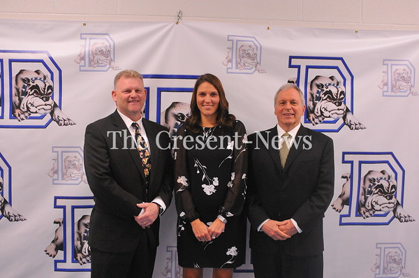 04-27-19 Sports DHS hall of famers