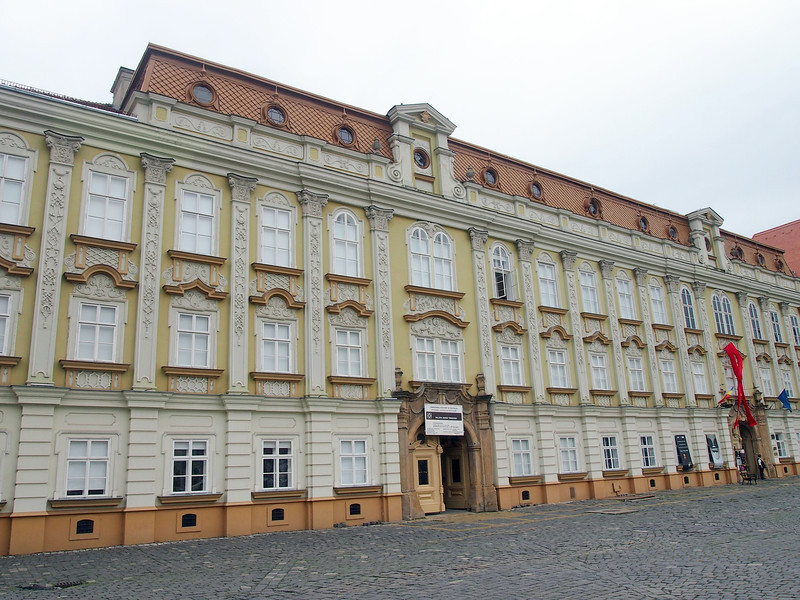 P5228521-the-baroque-palace.JPG