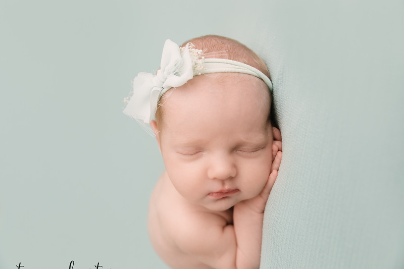 Autumn-Newborn-Low-Resolution370A0168-Edit.jpg