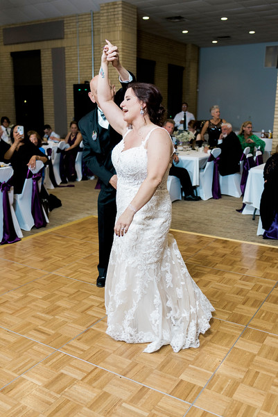 chateau-on-the-river-trenton-michigan-wedding-0399.jpg