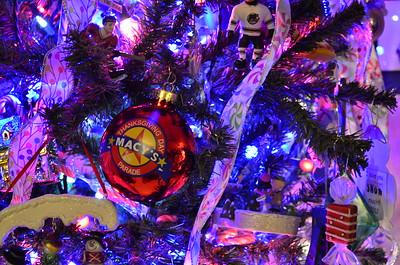 12-30 Christmas tree