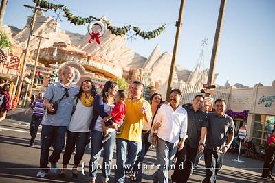 Sagayadoro Family - Disneyland