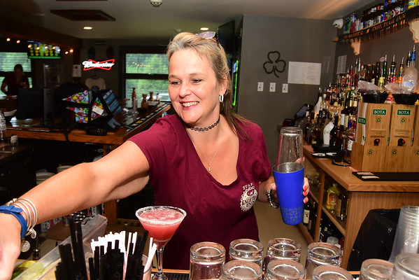 Bartender Bethany Perry - 080719