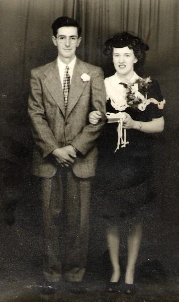 Kenneth & Norma Brockway 1945.jpg