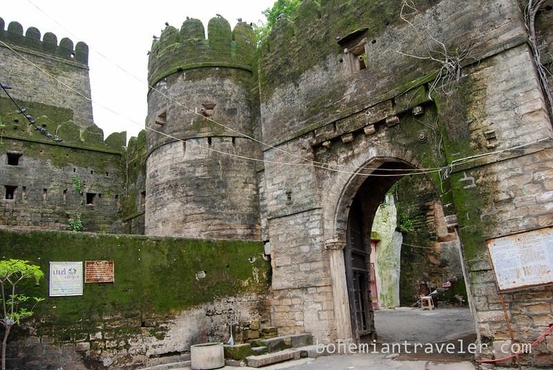 Uparkot Fort Junagadh.jpg
