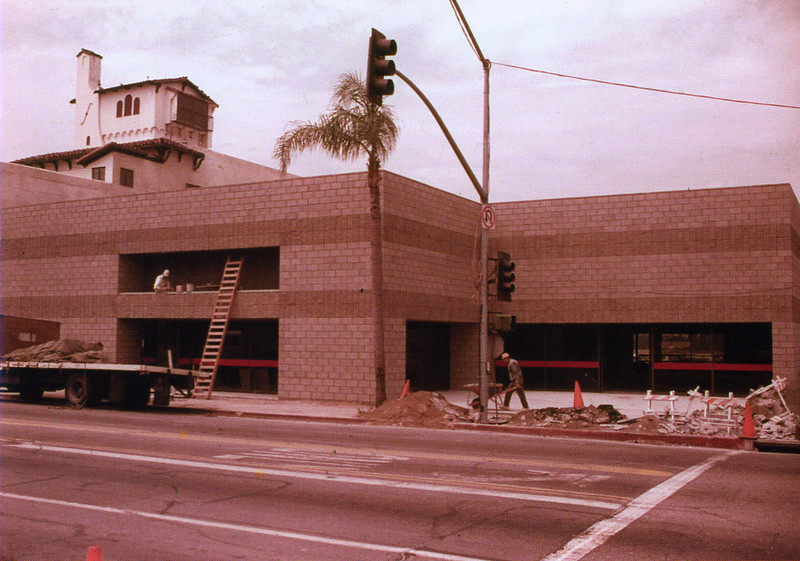 . The southwest corner of Orange St. and Redlands Blvd. of the Redlands Mall under construction in July 1976 with La Posada Hotel in the backround. City of Redlands Collection