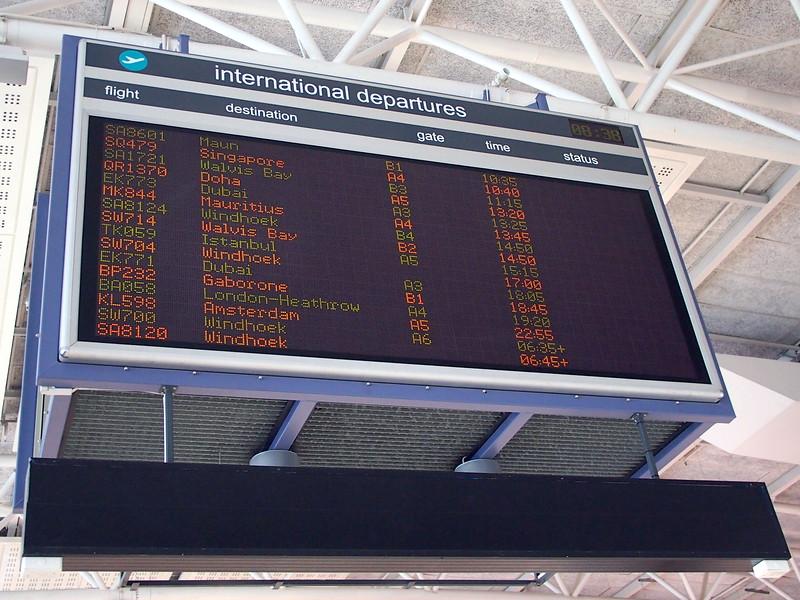 P5227384-international-departures.JPG