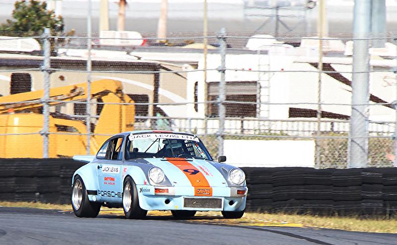 Classic24-2015_4644-#9-Porsche911.jpg