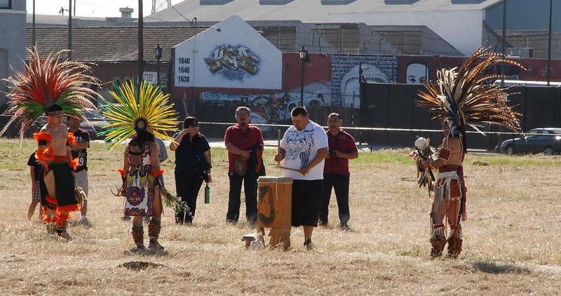 EarthDayLatino_AztecCeremony_2011--04-15_01.JPG
