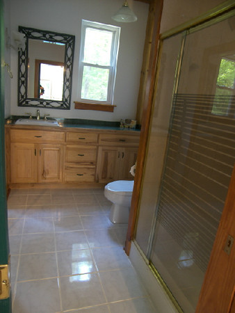 245 His bath and dressing area.JPG