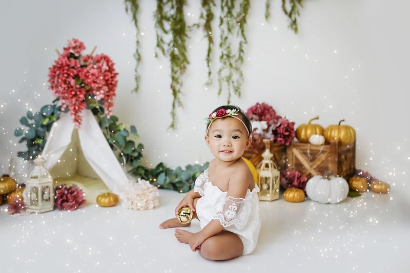 788=newport-babies-photography_pumpkin_cakesmash-6884-Edit.jpg