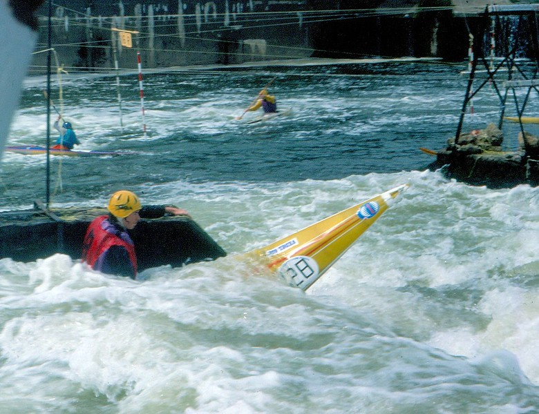 Linton Locks Andy Sutherland on rescue duty 1977.jpg