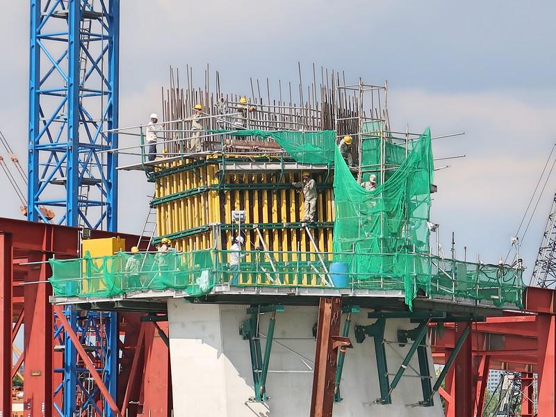 IMG_9836-bridge-workers.jpg
