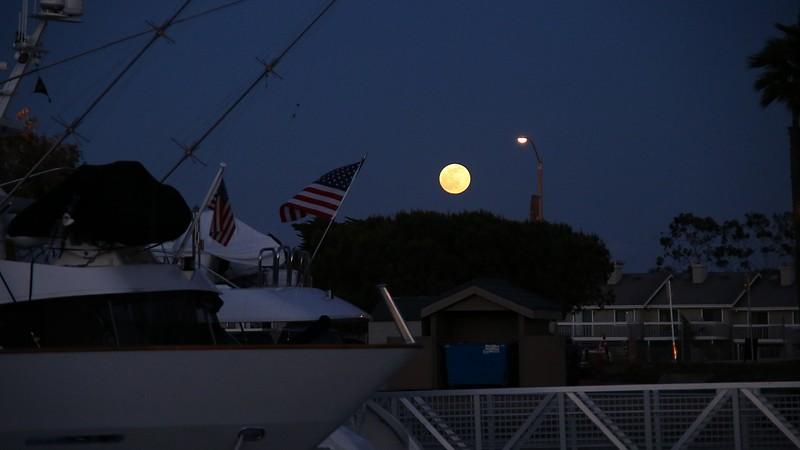 Full moonrise.