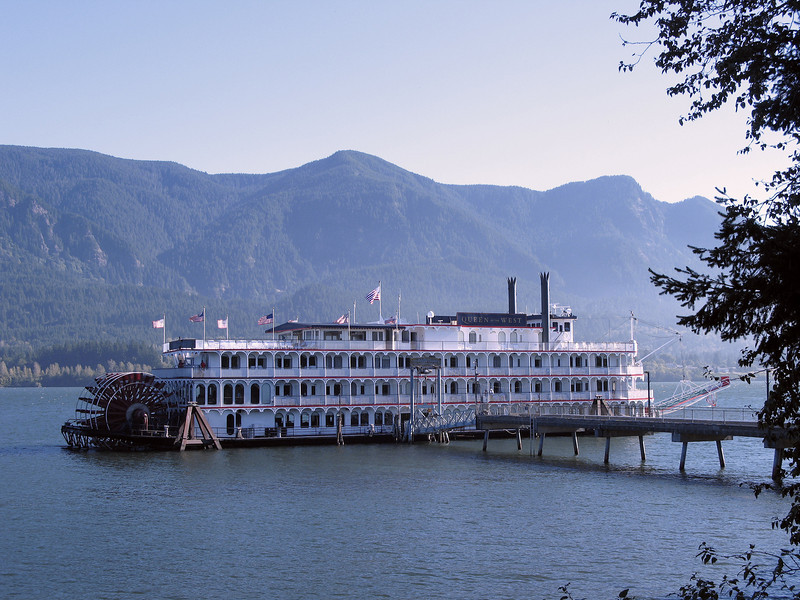 Stevenson, WA - The Queen of the West is a stern-wheeler ready to depart dock on its eight-day tour up the Columbia and Snake Rivers.