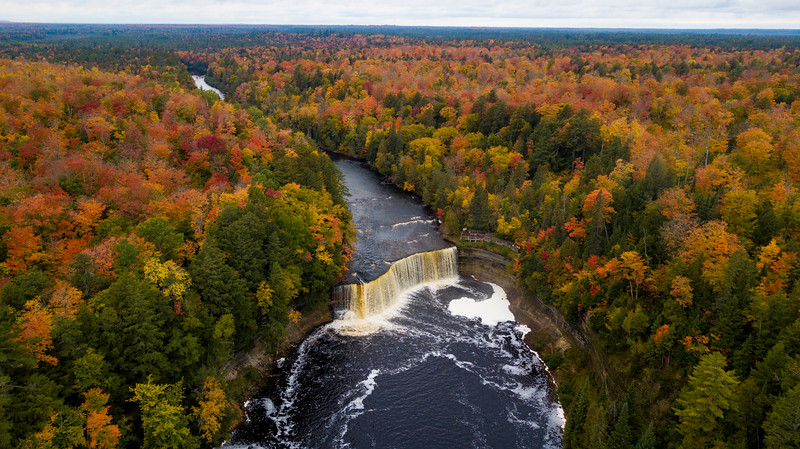Peaking Fall Colors at Tahquamenon