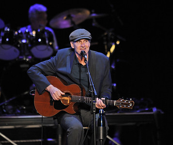 James Taylor Plays The Well
