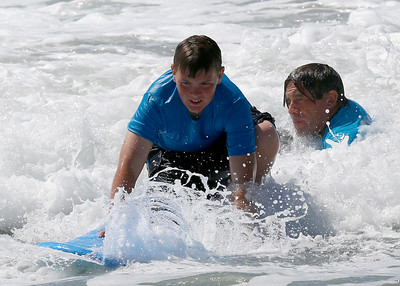 2017_09_23 Surf Camp 32 P2 Boy Br Hair Blue Shirt
