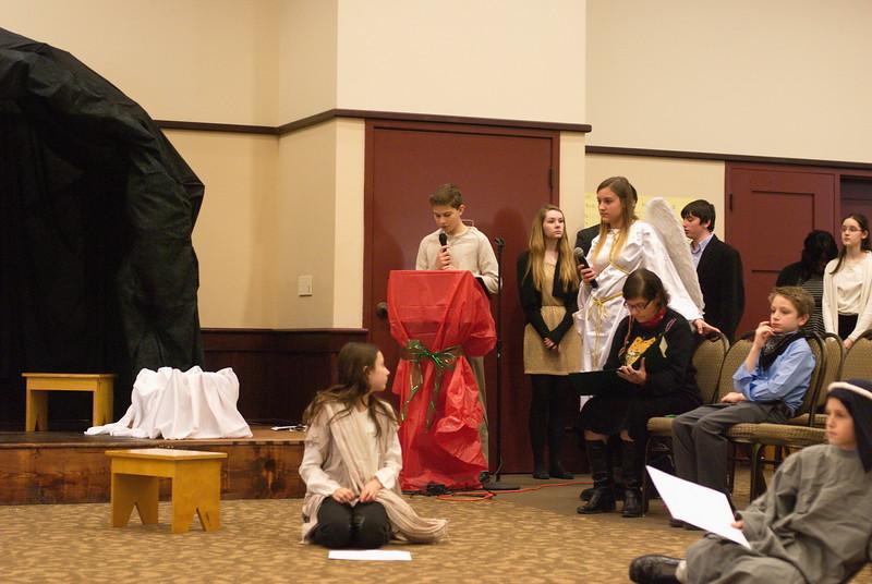 2014-12-21-Christmas-Pageant_081.jpg