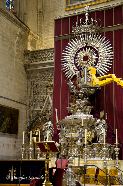 Tue 3/15 in Seville: Using a crane to polish a silver altar in the Cathedral of Seville