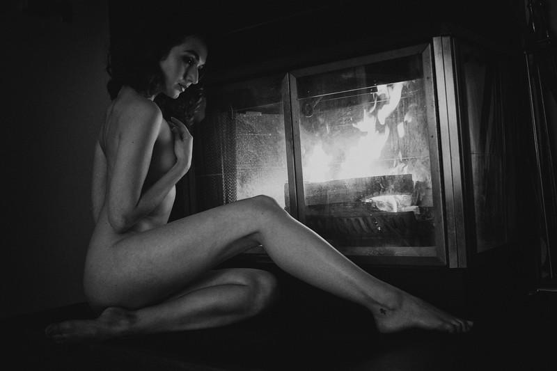 Zoe Fireplace S44A2686.jpg