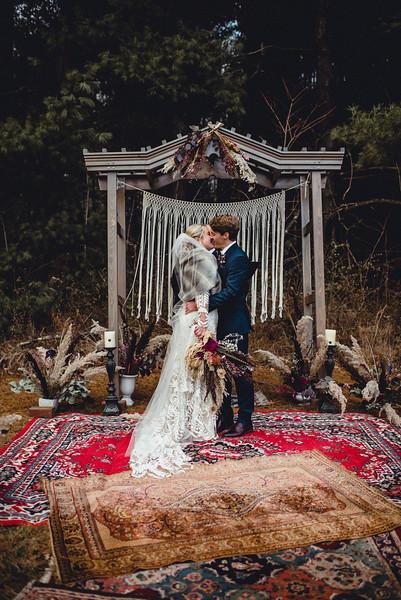 Requiem Images - Luxury Boho Winter Mountain Intimate Wedding - Seven Springs - Laurel Highlands - Blake Holly -1092.jpg