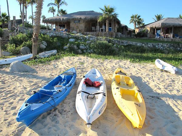 kayaks_ocean.jpg