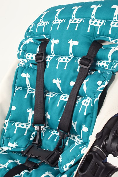 Outlook_Travel_Comfy_Cotton_Teal_Giraffe_Closeup.jpg