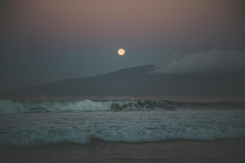 Moon set-1.jpg