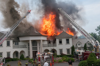 Structure Fire - 725 Breakneck Hill Rd, Middlebury, CT - Unknown Date