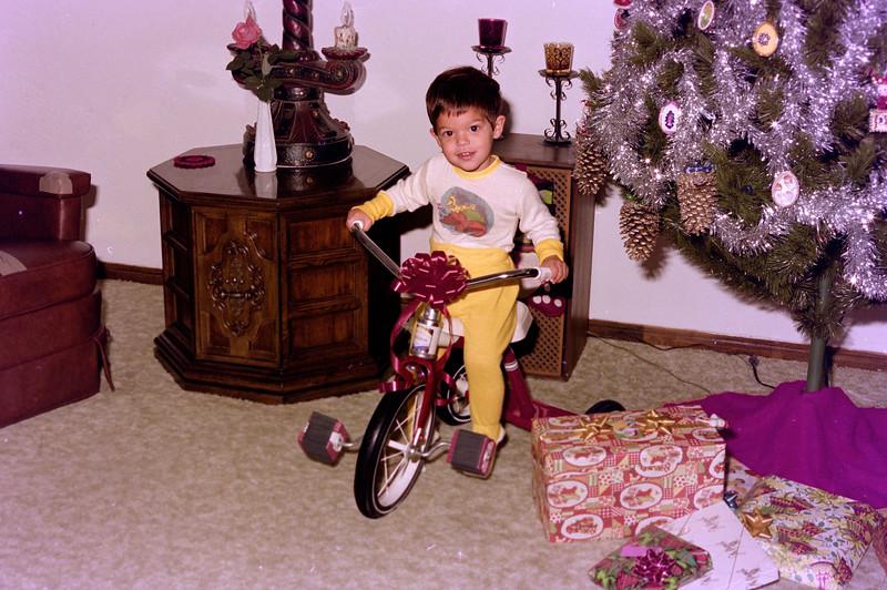 1976-12-25 #1 Anthony's 2nd Christmas.jpg