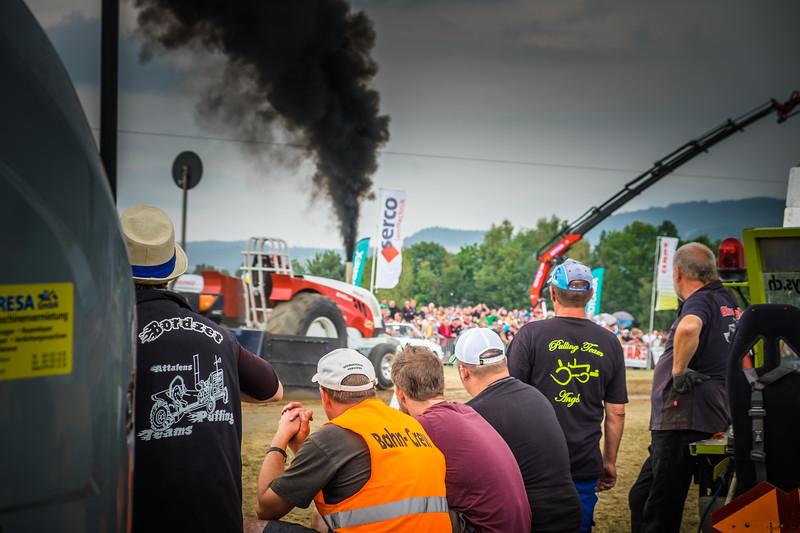 Tractor Pulling 2015 XE2-2612.jpg