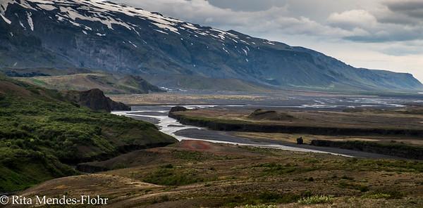 trek from Emstrur to Thorsmork
