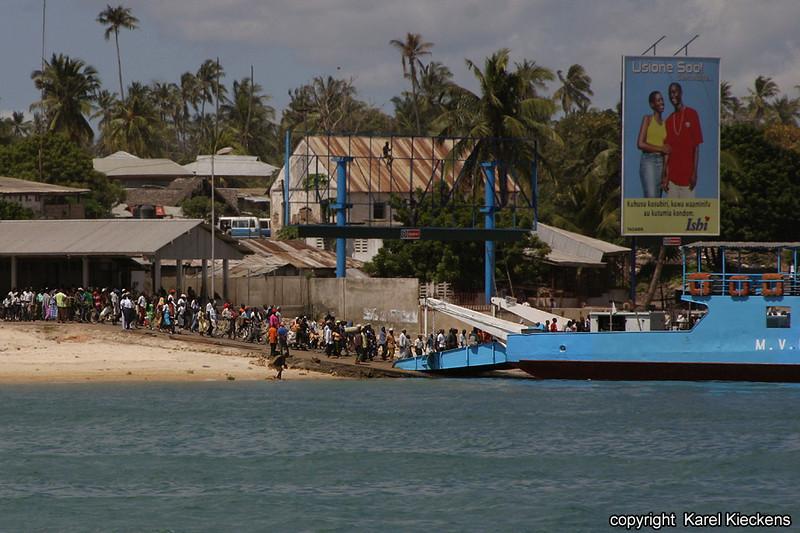 T.01_37.Dar Es Salaam-Kigamboni veer.jpg