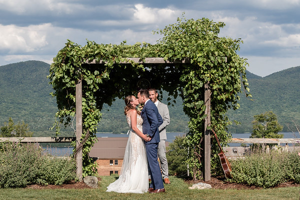 Hilary & Kevin's Beautiful Mountain Top Inn Wedding
