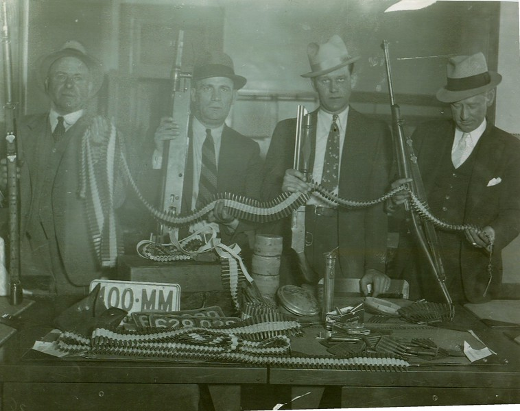 IPD Group with Brady Gang weapons 5-17-1936