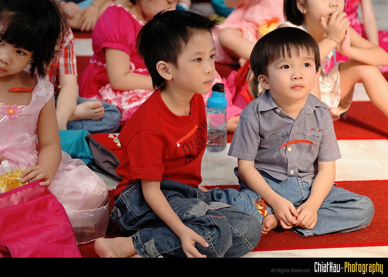 This 2 kids are jussstt.... lovely. :D