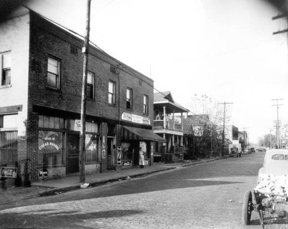 Davis Street Cigar Makers - 1941.jpg
