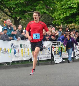 2003 Times-Colonist 10K - Epic triathlete Simon Whitfield was fourth in 30:59