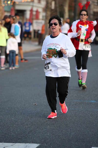 Toms River Police Jingle Bell Race 2015 - 01224.JPG