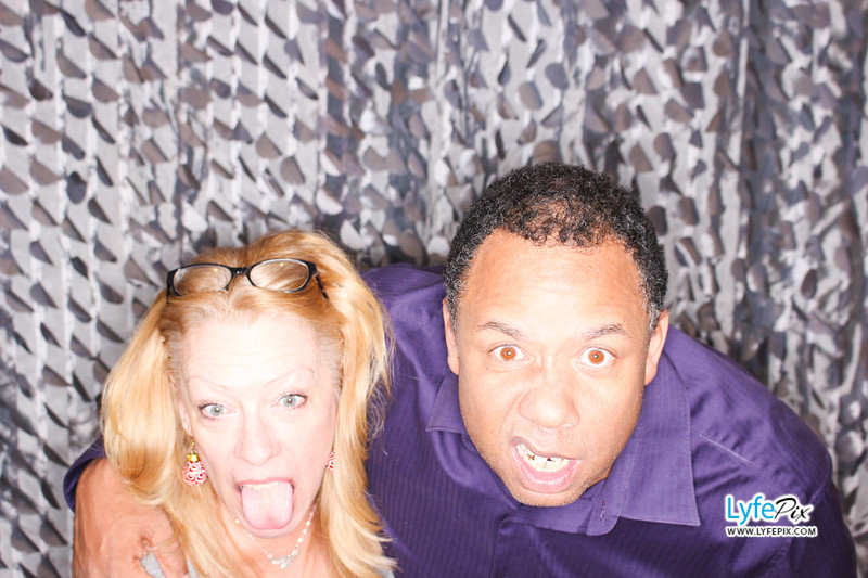 red-hawk-2017-holiday-party-beltsville-maryland-sheraton-photo-booth-0266.jpg