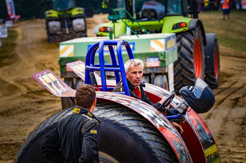 Tractor Pulling 2015-02345.jpg