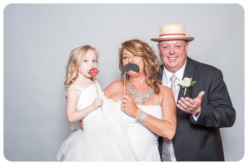 Tim+Olivia-Wedding-Photobooth-18.jpg
