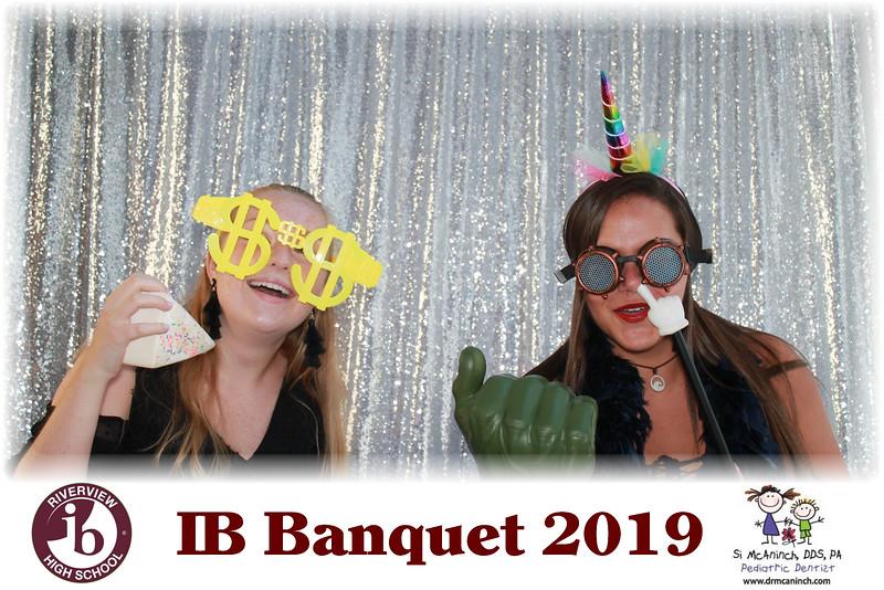 2019.05.20 - Riverview IB Banquet 2019 - Silver Backdrop