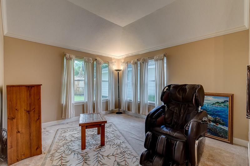 Master Bedroom - Sitting Room
