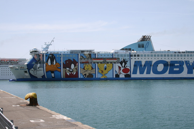 2008 - F/B MOBY WONDER arriving to Civitavecchia.