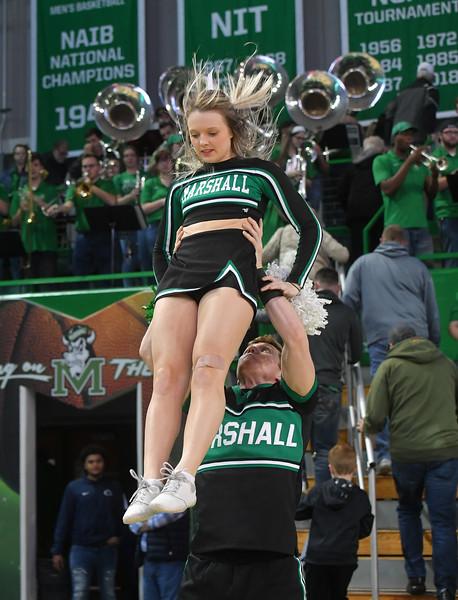 cheerleaders3446.jpg