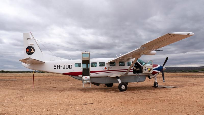 Tanzania-Tarangire-National-Park-Airfield-02.jpg