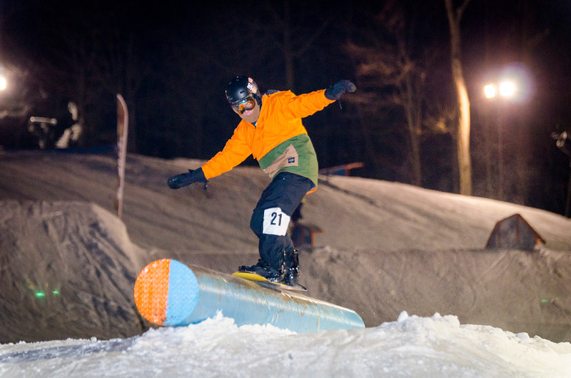 Nighttime-Rail-Jam_Snow-Trails-2.jpg